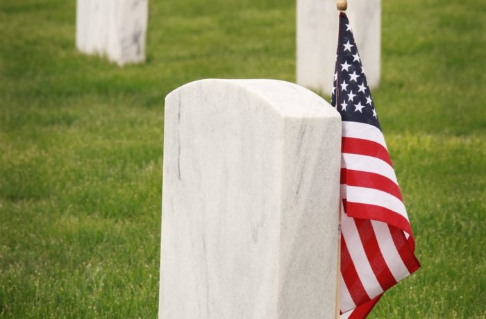 Känslosam och politisk begravning